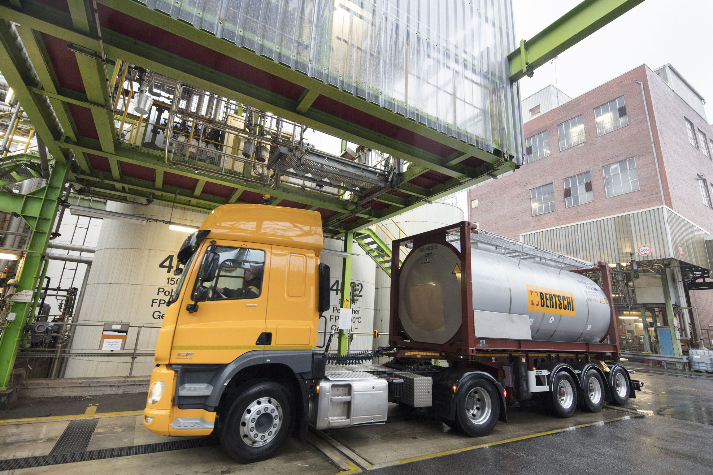 A truck arrives at the loading station where it will be filled with Covestro's  CO2 -based polyol.